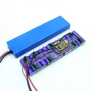 ລາຄາໂຮງງານຜະລິດຕາມກະແສໄຟຟ້າ 18650 36 Volt ແບດເຕີລີ່ Lithium Ion 36V